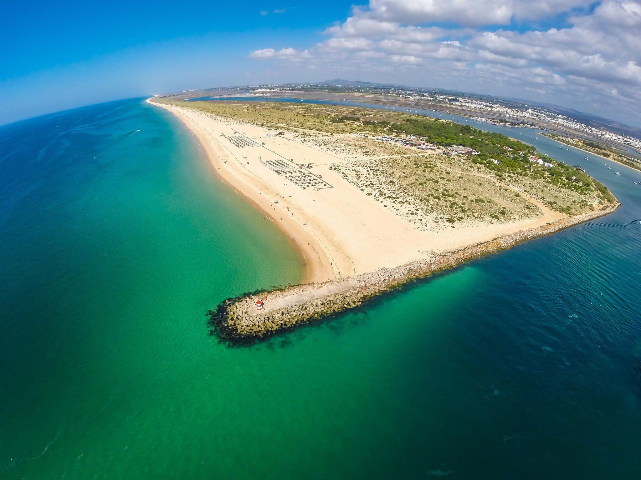 Beach-of-the-Island-of-Tavira